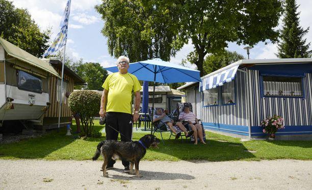 Nykyisin 68-vuotias Werner Lorant asustaa leirintäalueella ja viettää rauhaisaa eläkeläiselämää.