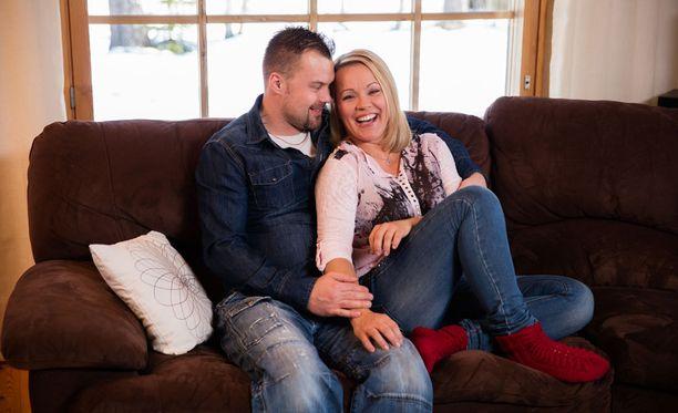 Heikki Koskelo ja Heidi Pakarinen tutustuivat toisiinsa jo vuonna 2011, mutta myönsivät rakkautensa vasta tänä vuonna.