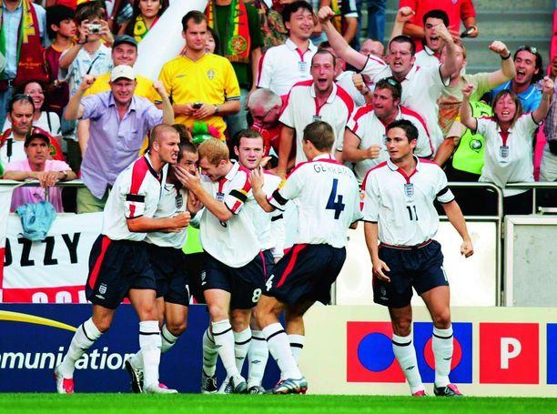 David Beckham, Michael Owen, Paul Scholes, Wayne Rooney, Steven Gerrard ja Frank Lampard jäivät ilman maajoukkuemenestystä.
