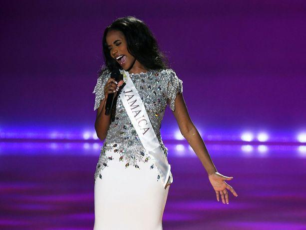 Kilpailun voittaja hurmasi talent-osiossa laulutaidollaan.