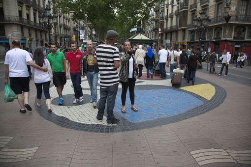 La Rambla sijaitsee aivan Barcelonan keskustassa.