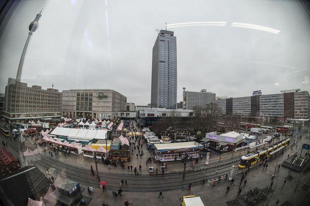 Saksassa pelätään uutta verilöylyä. Kuva Berliinin Alexanderplatzin joulumarkkinoilta eilen.