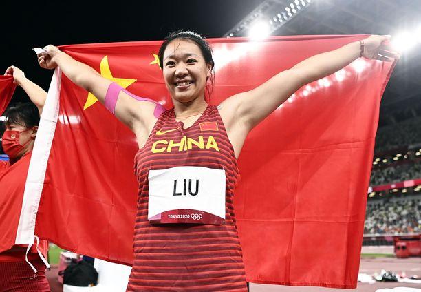 Liu Shiying oli finaalissa omalla metriluvullaan. Kakkoseksi tullut Puolan Maria Andrejczyk heitti 64,61.