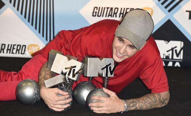 Poptähti Justin Bieber kahmi palkintoja MTV Europe Music Awards -gaalassa myös tänä vuonna. Kuva viime vuoden tapahtumasta.