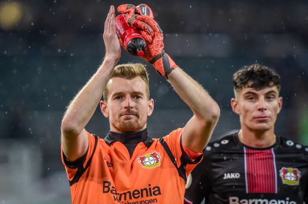 Lukas Hradecky korostaa Huuhkajien vahvuuksia.