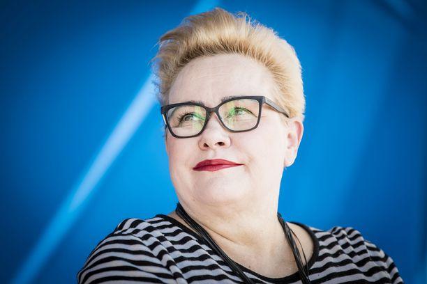 Kokoomuksen europarlamentaarikko Sirpa Pietikäinen tavoittelee jatkokautta.