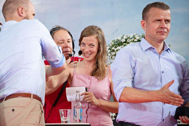 Puheenjohtajat Li Andersson ja Petteri Orpo ovat Kuntaliiton paneelissa mukana. Kuva Suomi Areenalta menneeltä kesältä.