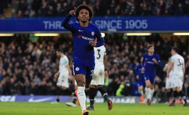 Willian sai nimiinsä Chelsean ensimmäisen maalin.