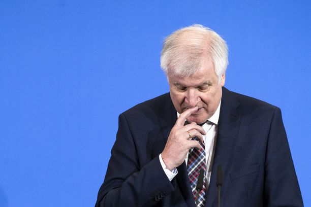 Sisäministeri Horst Seehofer kertoi Saksan harkitsevan vakavista rikoksista tuomittujen syyrialaisten palauttamista kotimaahansa.