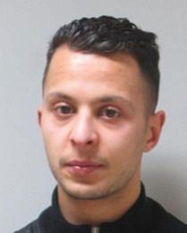 Poliisi etsii 26-vuotiasta Salah Abdeslamia Brysselistä.
