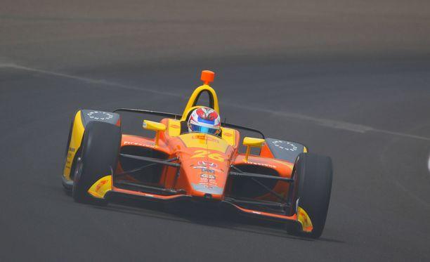 Zach Veachin Honda syttyi tuleen viime viikonlopun Indianapolis 500 -kisassa.