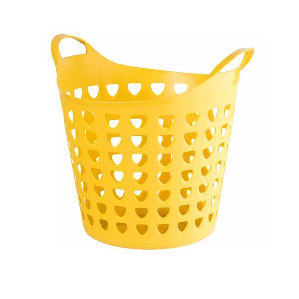 Irvileuat ovat verranneet Guccin uusia veskoja tämäntapaisiin pyykkikoreihin. Tällä on Tokmannilla hintaa viisi euroa.