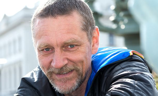 Ville Virtanen näyttelee yhden elokuvan päärooleista.