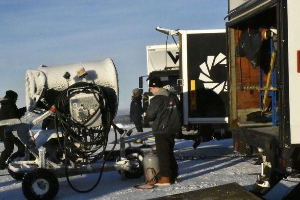 Arktisissa olosuhteissa kuvauskalustoltakin vaaditaan erityisominaisuuksia.