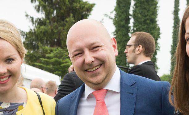 Joona Räsänen on yksi SDP:n uusista kansanedustajista. Hänet valittiin kansanedustajaksi vuoden 2015 eduskuntavaaleissa Uudenmaan vaalipiiristä.