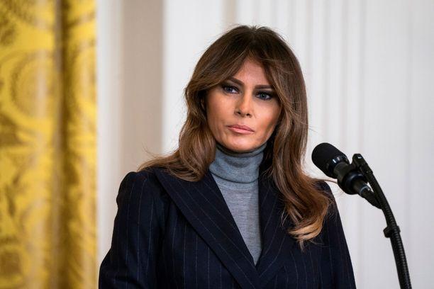 Melania Trump pysyy edelleen poissa julkisuudesta.