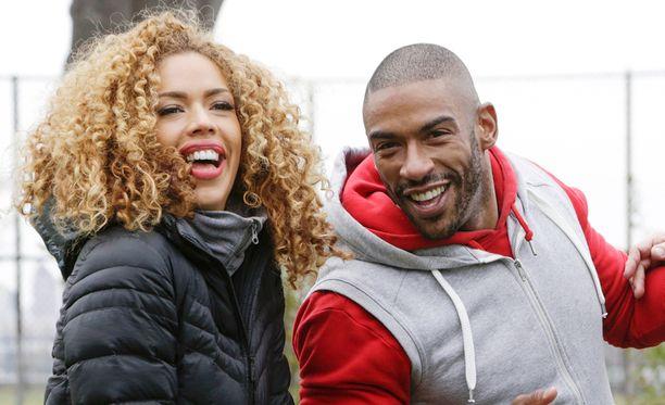 Layla ja Courtney valmentavat julkkiksia, mutta myös taviksia, aivan kuten muutkin uuden sarjan personal trainerit.