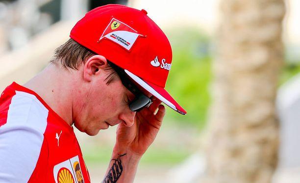 Bernie Ecclestone haluaa Lewis Hamiltonin syrjäyttävän Kimi Räikkösen.