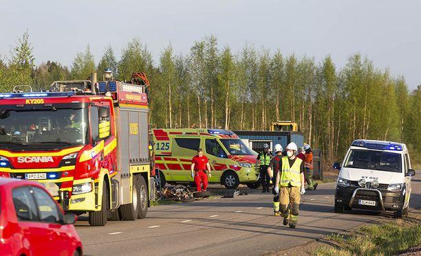 Kaksi moottoripyöräilijää joutui sairaalaan lauantaina Haminassa tapahtuneen kolarin seurauksena.