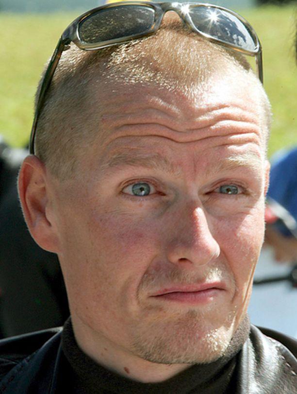 Doping-epäilty Michael Rasmussen haluaa italialaiseen ammattilaistalliin.
