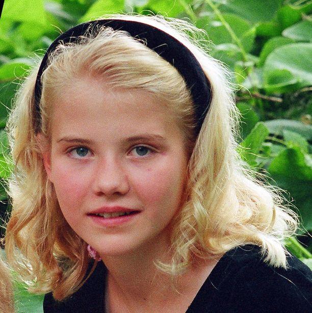 Elizabeth oli vain 14-vuotias, kun hänet siepattiin. Hän on myöhemmin kirjoittanut kirjan kokemastaan.