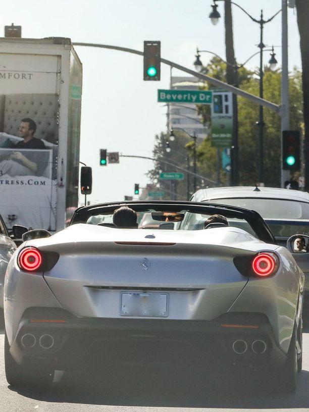 Viime vuonna Frankfurtin autonäyttelyssä esitellyn Portofinon hinnat lähtevät reilusta 200 000 dollarista.