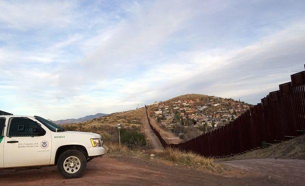 Meksikon raja lähellä Arizonaa. Kuvituskuva