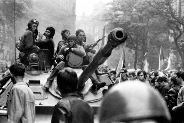 Protesteissa kuoli kymmeniä ihmisiä.