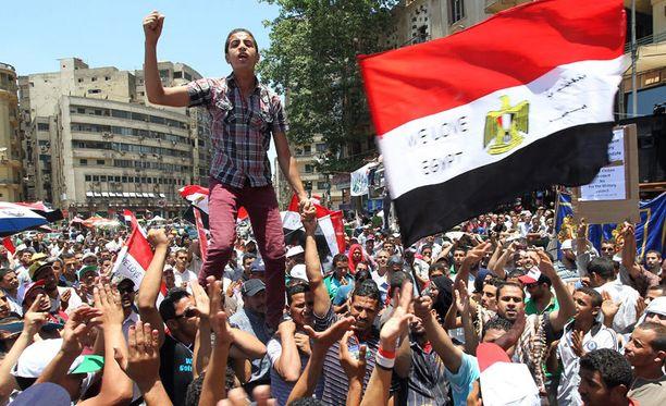 Mohamed Mursi voitti Egyptin presidentinvaalit – mutta kenelle jää todellinen valta?