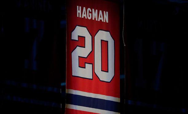 Matti Hagmanin pelipaita on jäädytettynä HIFK:n kotihallissa.