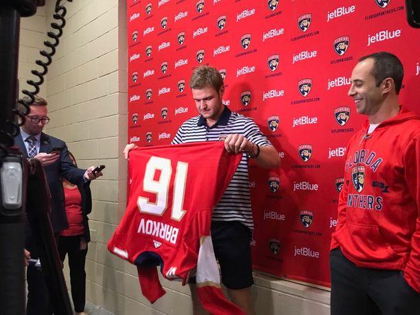 Aleksander Barkov on Florida Panthersin kapteeni.