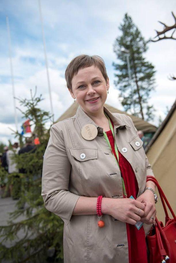 Jätevesiasetus on rasittanut Paula Lehtomäen poliittista uraa. Nyt kysytään, mitä Sanni GrahnLaasonen tekee asiassa.