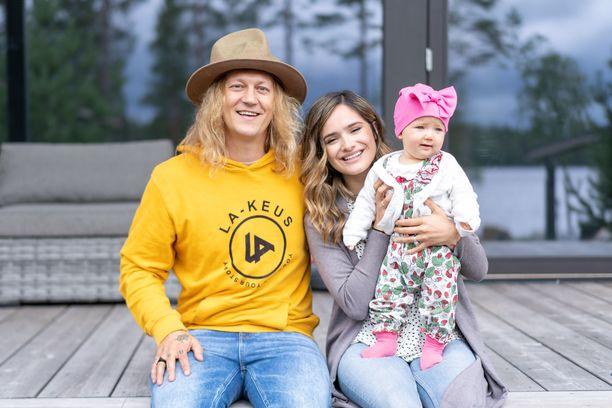 Jukan ja Chachin Sophia-tyttärestä tulee kesällä isosisko.