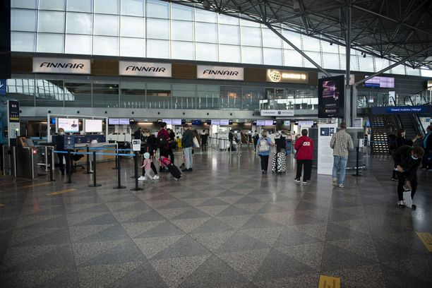 Testausta jatketaan lentokentällä edelleen.
