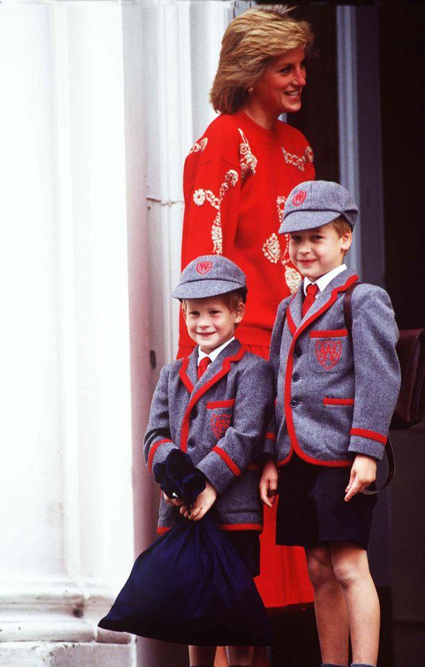 Harry ja William muistelevat äitiään koskettavassa ja harvinaislaatuisessa haastattelussa. Kuva vuodelta 1989.