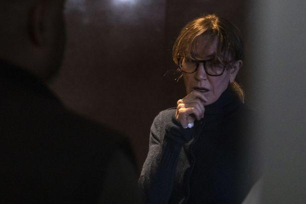 Felicity Huffman odottaa vuoroaan tuomioistuimen kuultavaksi Los Angelesissa 12.3.2019. Lahjonnasta epäilty Huffman on Oscar-ehdokas ja Emmy- sekä Golden Globe -palkittu näyttelijä.