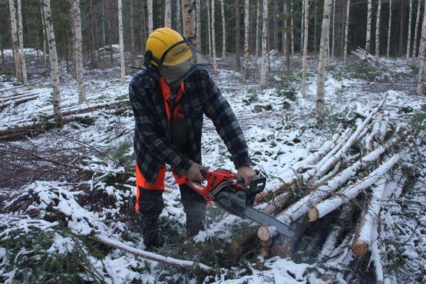 70-vuotias Jaakko Pessinen paiskii yhä 5-6 päivän työviikkoja.