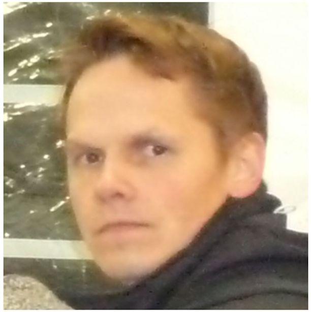Oletko nähnyt tätä miestä tiistaiaamuna 2. toukokuuta tai sen jälkeen? Kaikki havainnot hänestä tai hänen autostaan pyydetään ilmoittamaan poliisille.