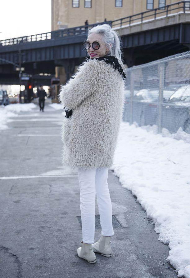 Muhkea takki pitää kylmän loitolla.