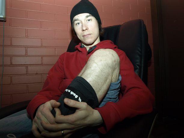 Muun muassa vasen polvi operoitiin Janne Happosen mäkiuran aikana. Kuva on vuodelta 2011.
