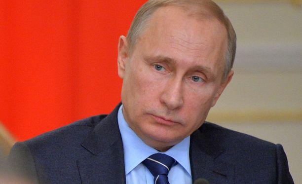 Kun neuvottelupöydässä ei tule edistystä, Vladimir Putinin johtama Venäjä lyö lisää painetta lännelle sotilallisilla toimilla, arvioi suomalaisasiantuntija.