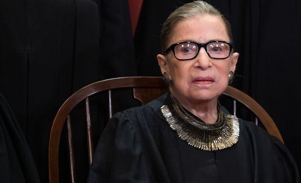 Yhdysvaltain korkeimman oikeuden tuomari Ruth Bader Ginsburg on päässyt kotiin viime perjantaina tehdystä syöpäleikkauksesta.