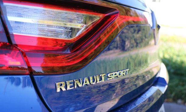 Megane Sport -logo vasemmassa reunassa