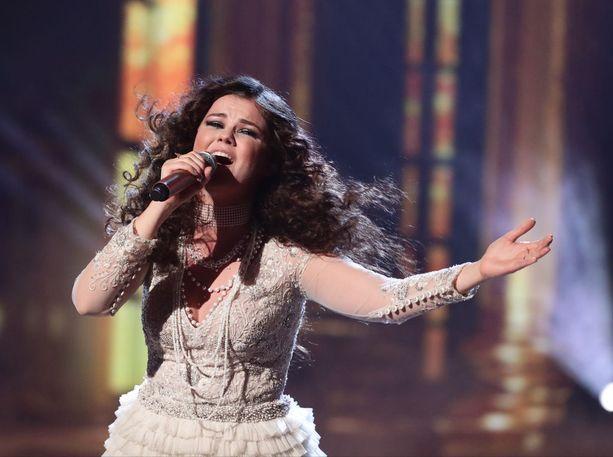 Titanic-elokuvan tunnusballadi on yksi Saaran rakastetuimmista esityksistä. Tänä viikonloppuna hän kilpailee X Factorin voitosta.