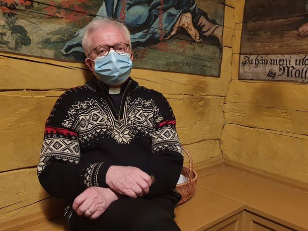 Tällainen tragedia vetää myös papin sielun hiljaiseksi, sanoi kirkkoherra Jouni Heikkinen.