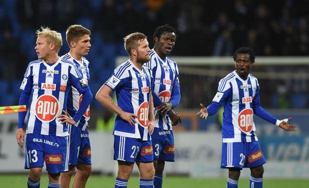HJK saattoi hukata mestaruuden pahaan virheeseen. Anthoný Annanin (oik.) olemus kertoo olennaisen.