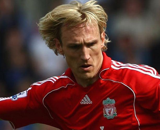 Sami Hyypiä on pelannut Liverpoolissa jo vuosikymmenen ajan.