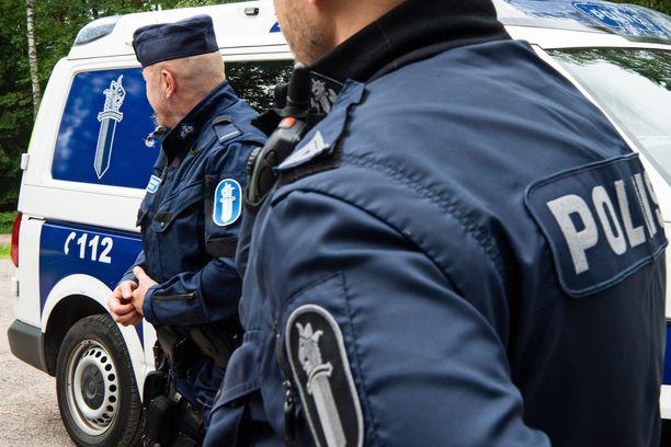 Poliisi toivoo edelleen yleisövihjeitä Pietarsaaren epäillystä joukkoraiskauksesta. Kuvituskuva.