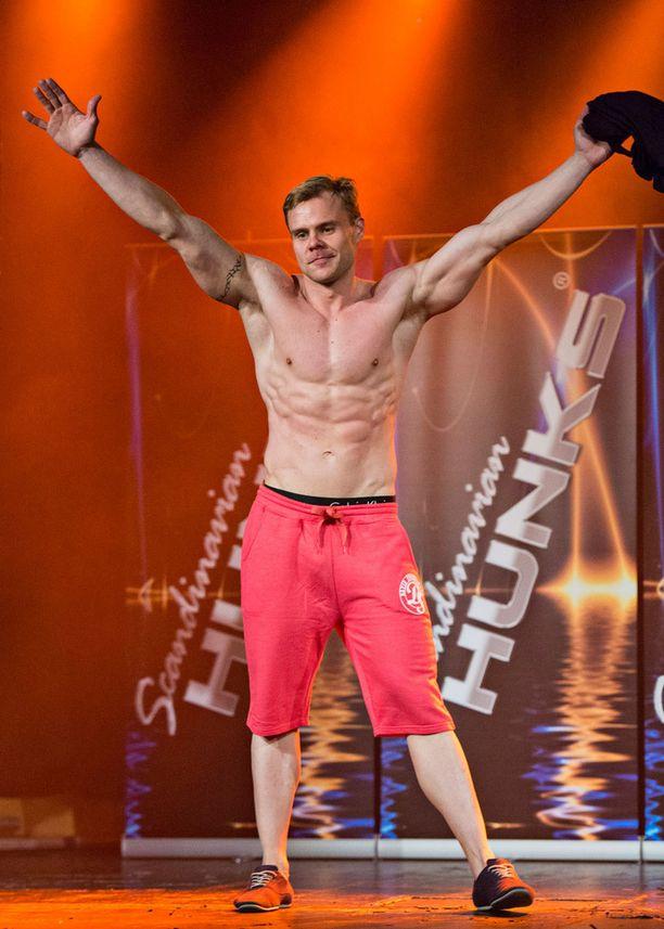 Pauli Keski-Korhosella on esiintymiskokemusta fitness-kisoista.