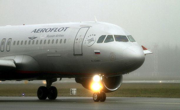 Aeroflotin koneeseen tehtiin yllätystarkastus pitkänäperjantaina Lontoossa. Venäjä tuohtui välittömästi ja lähetti Britannialle nootin. Kuvan kone ei liity tapaukseen.